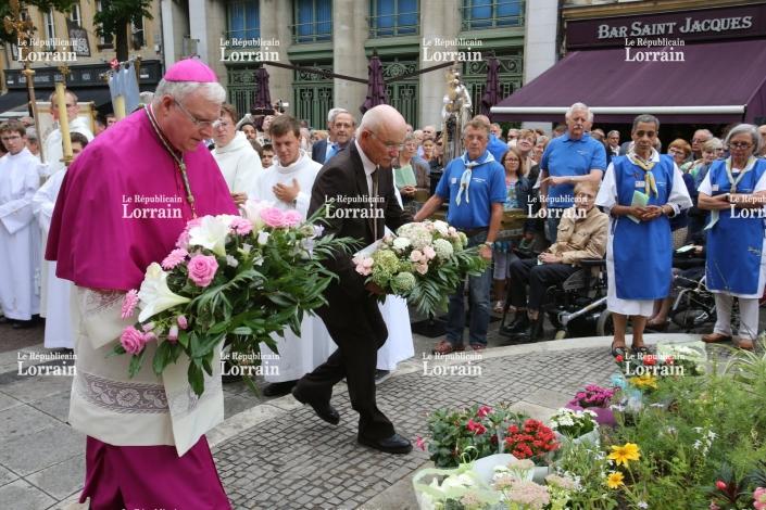 Gros et évêque